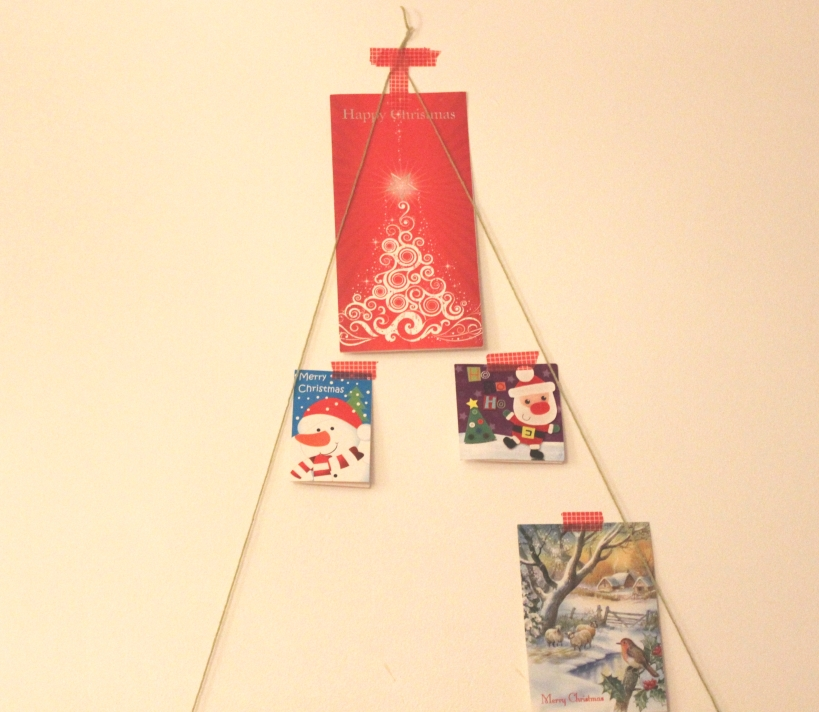 Making a Christmas card display