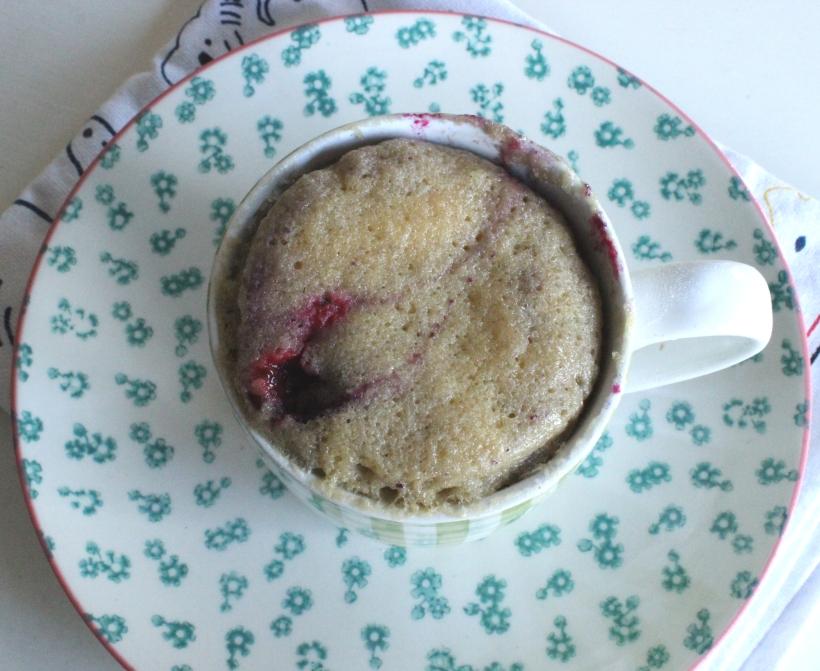 Almond and Berry Breakfast Mug cake - OrganisingChaosBlog