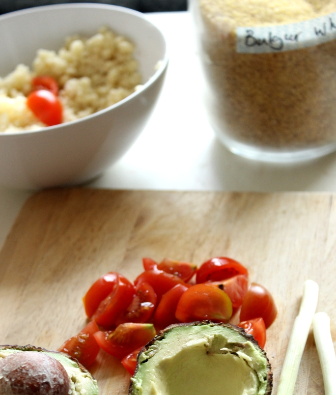 Bulgar Wheat with avocado and egg salad - ingredents