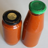 HOME-MADE TOMATO SAUCE (WITH LOADS OF VEG)