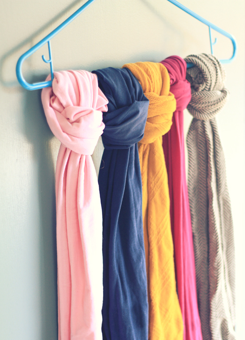 Organising scarfs