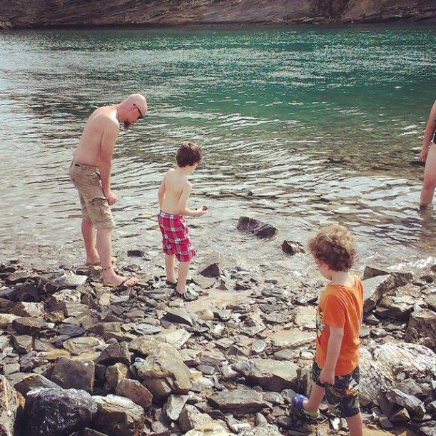Skimming stones in Plentzia
