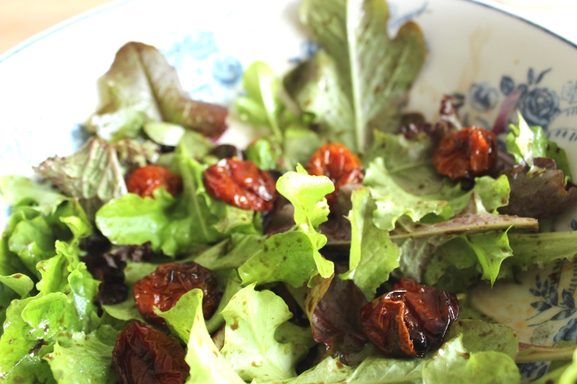 Oven-dried tomatoes salad
