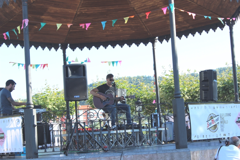 Lazy days with live music